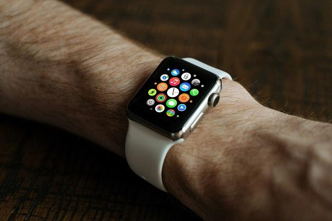 apple smart watch arm